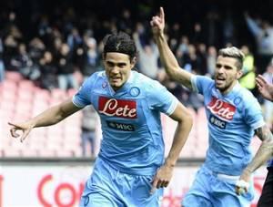Calciomercato Napoli / Benitez accetta l'offerta del Chelsea per Cavani