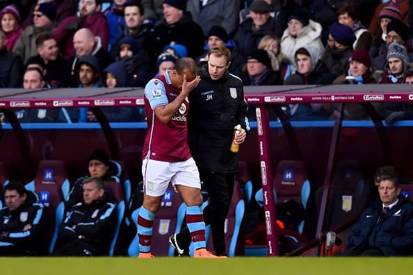 Agbonlahor fuma un narghilè: Aston Villa lo sospende