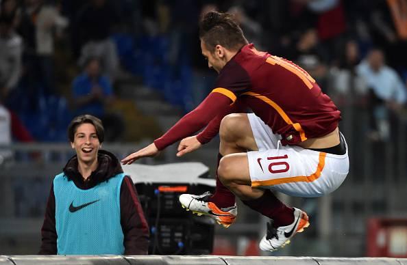 Roma, Totti si allena da solo a Trigoria con Spall