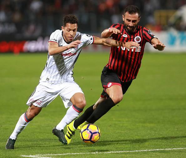 Calciomercato, Tolisso: ''Grazie Juve, ma per ora resto al Lione''