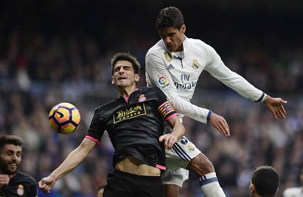 Real Madrid, infortunio per Varane: salta il Napoli
