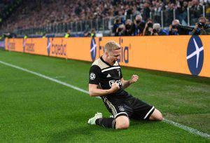 Van de Beek Juventus Ajax
