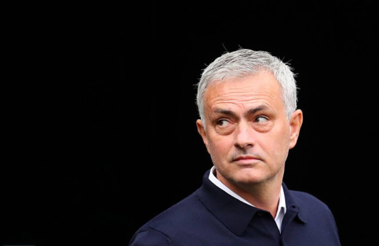 Calciomercato Juventus, vigile il Tottenham su Douglas Costa: la situazione
