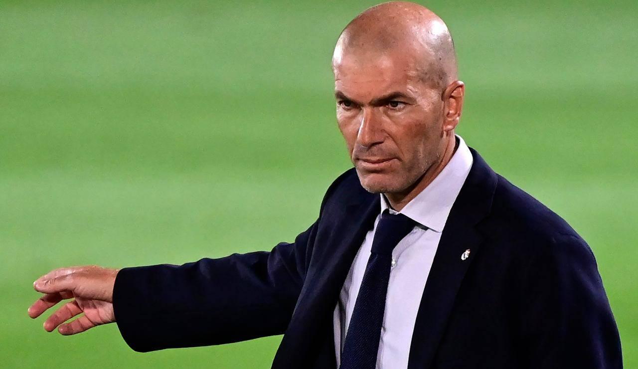 Calciomercato, contatti a sorpresa | Da Zidane 'scippo' a Messi e alla Juve