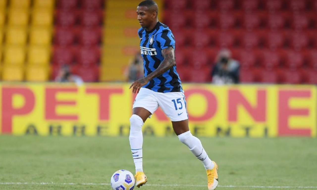 Ashley Young calciomercato Inter
