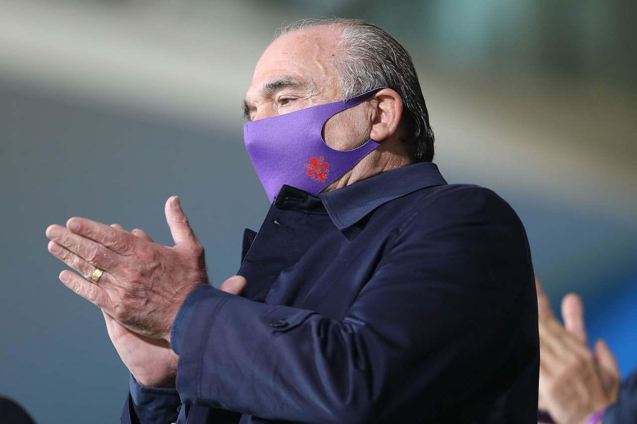 La Fiorentina vuole rinnovare con Vlahovic: clausola anti-Juve nel contratto