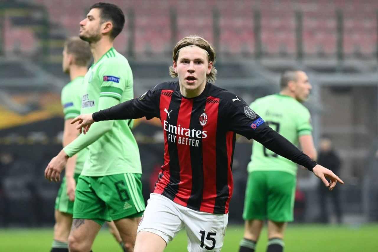 Calciomercato Milan, 'scippo' al Napoli | Coinvolto Hauge nello scambio