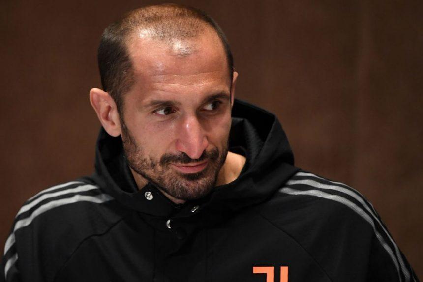 Calciomercato Juventus, rinnovo o ritiro | Si decide il futuro di Chiellini