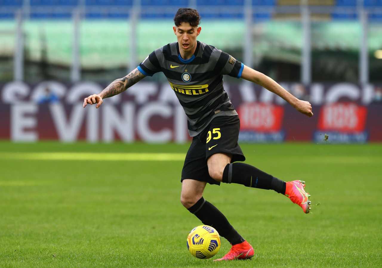 Calciomercato Inter, Bastoni nel mirino di Guardiola | Cifre e dettagli
