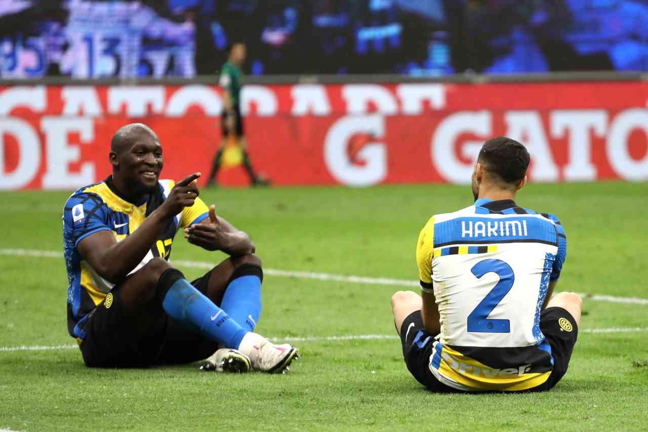 Calciomercato Inter, non solo Hakimi | De Vrij scambiato per il sostituto