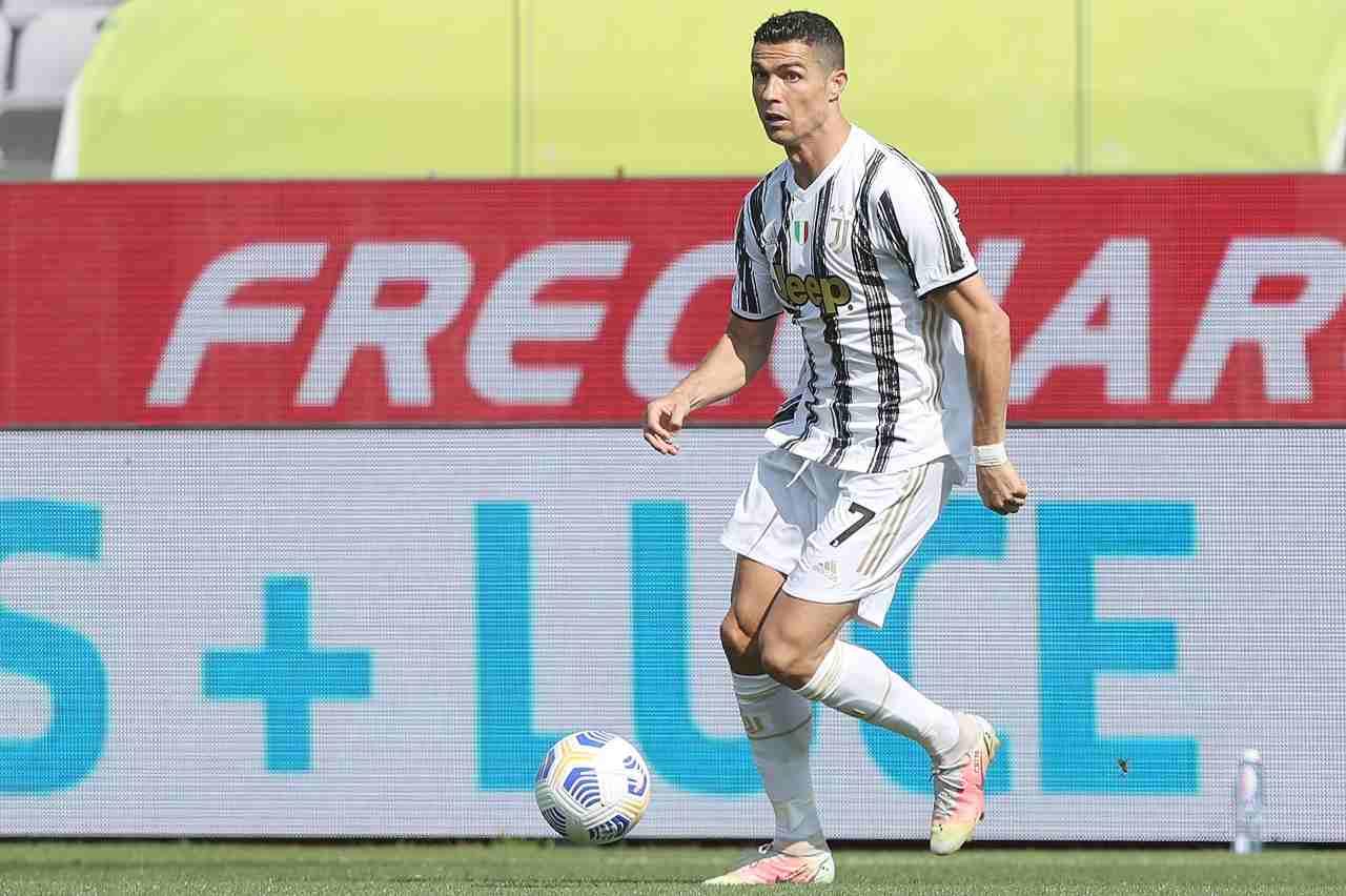 Udinese-Juventus, la rabbia di Ronaldo e Paratici   Il gesto verso l'arbitro