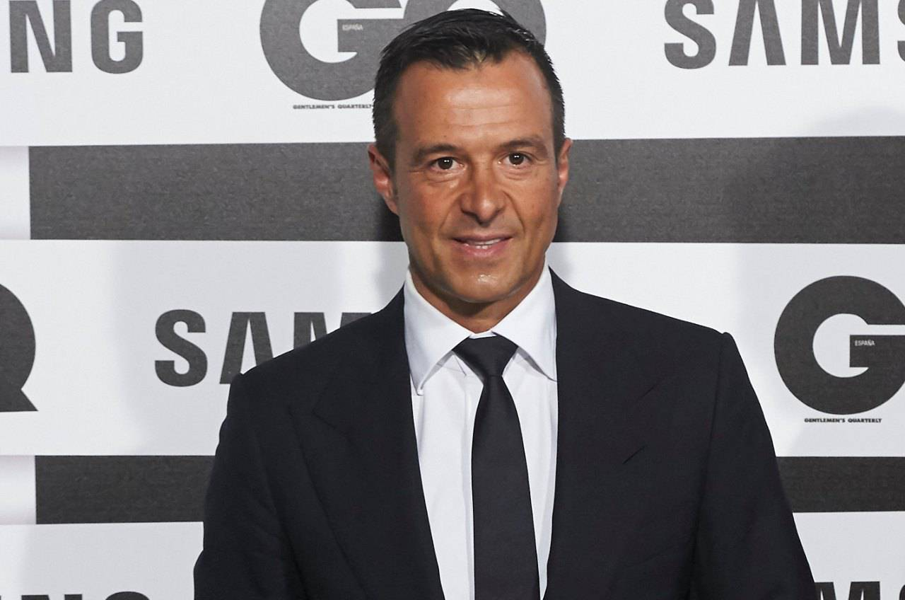 Calciomercato Juventus, il centrocampista lo porta Mendes | I dettagli