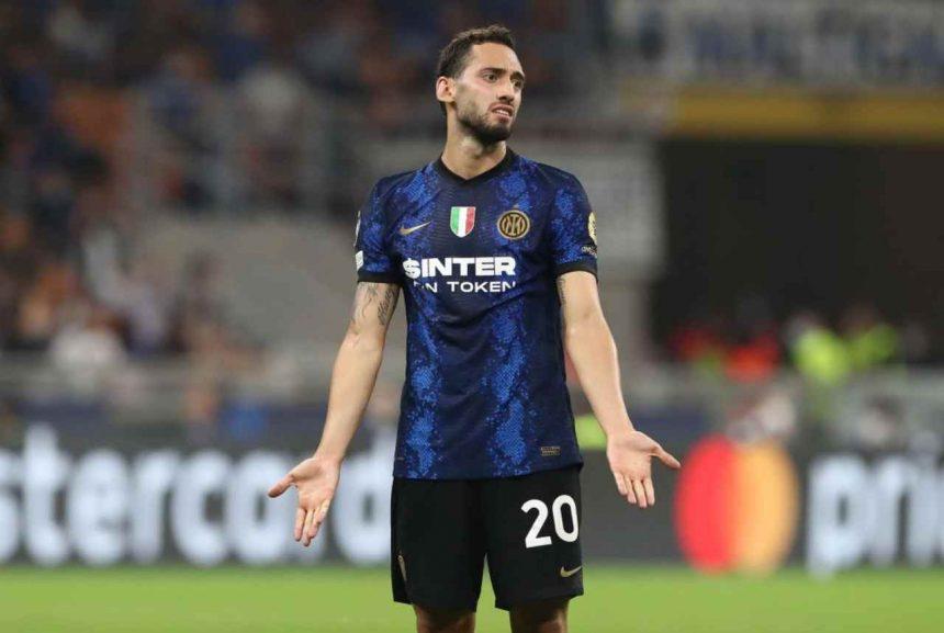 Inter, Calhanoglu delude