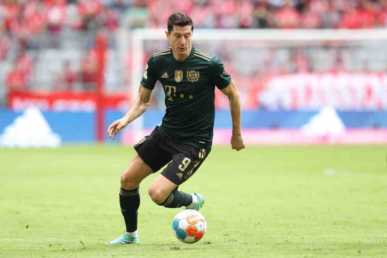 Calciomercato, ribaltone Lewandowski: assalto ai bomber, Juve e Inter ko