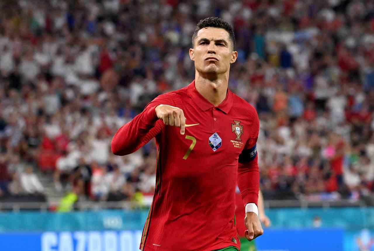 Ronaldo Manchester United Cavani ufficiale